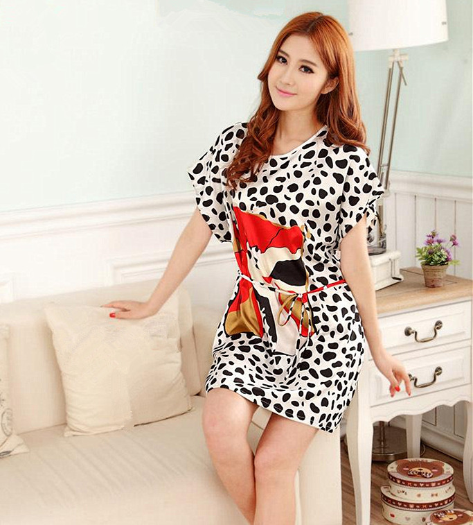 Hot Sale Lady Summer Robe Chinese Women Faux Silk Bath Gown Yukata Nightgown Nuisette Pijama Mujer One Size Flower