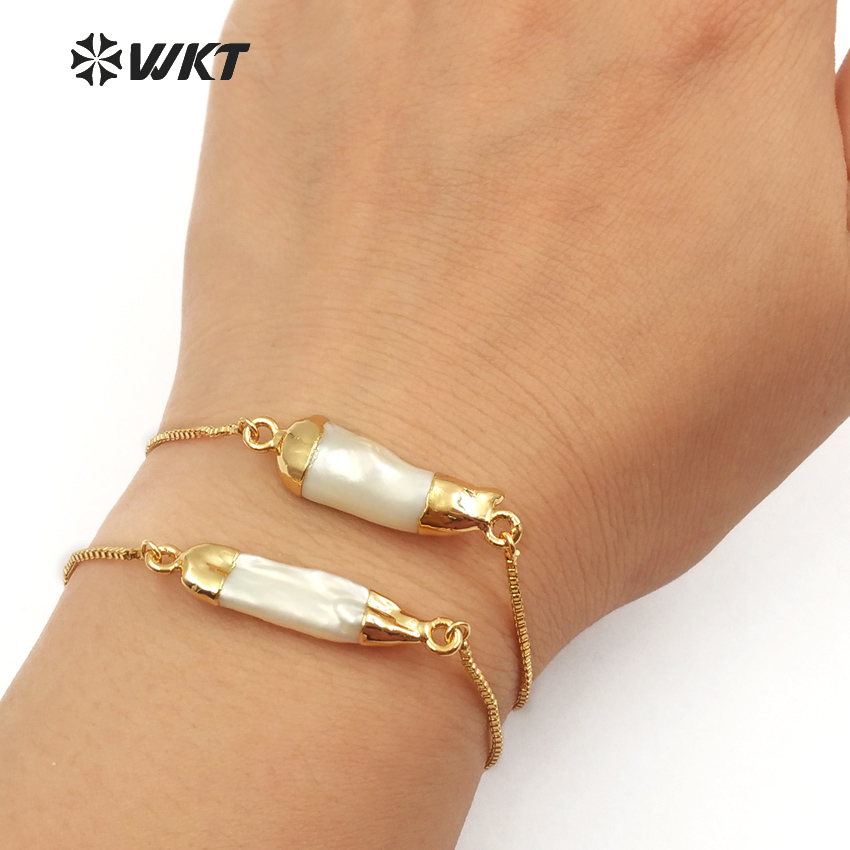 WT B412 WKT Wholesale 10pcs lot natural freshwater pearl bracelet random pearl charm with gold color
