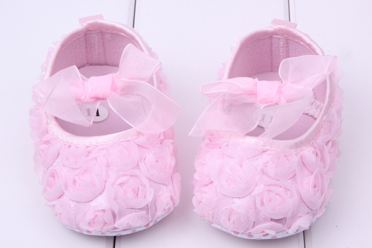 d15dad20a 2019 Beatiful Toddler Baby Girls First Walkers Lace Bowknot Pink Roses  Flowers Princess Shoes Soft Sole Anti Slip Newborn Baby Shoes From Yohkoh