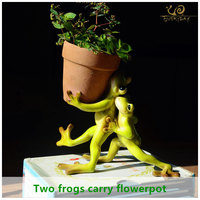 ED Garden Supplies Decoration Resin Animal Two Frog Garden Ornaments Garden Flower Pot Decoration Households