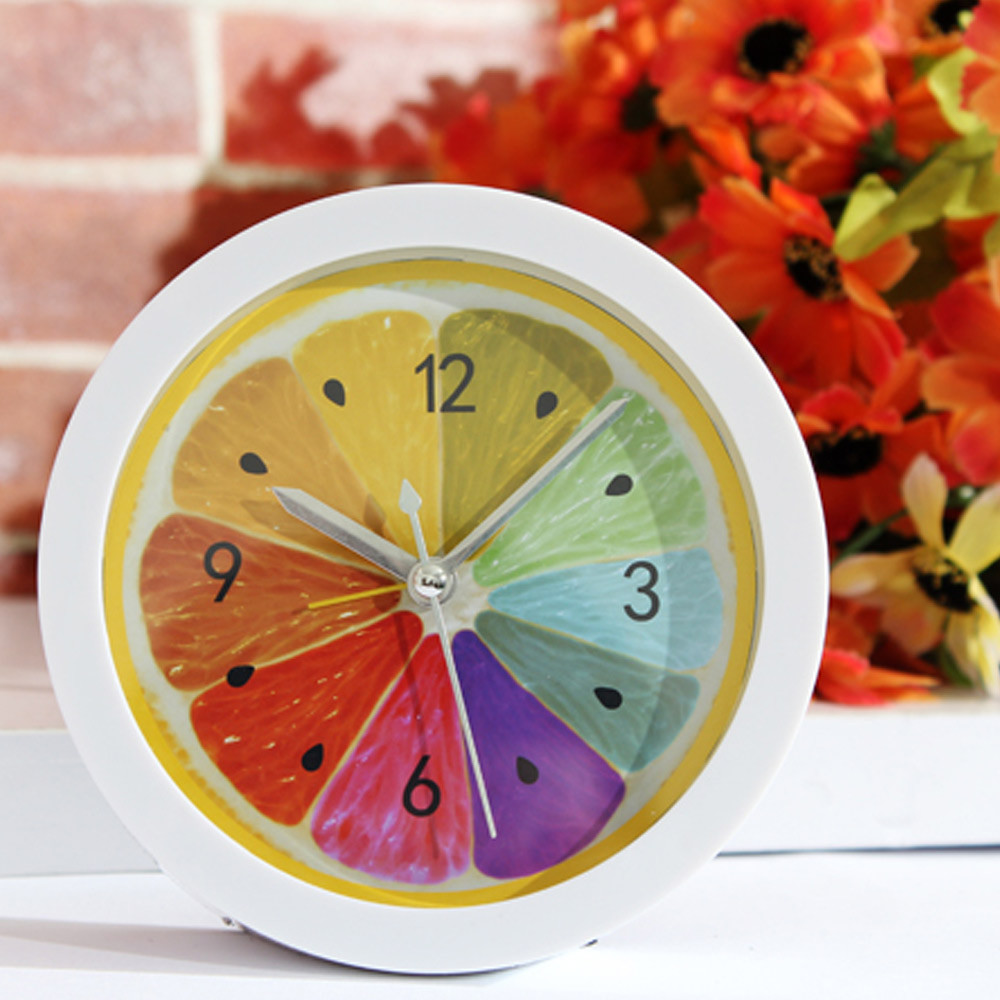 2017ISHOWTIENDA Fashion New Colorful Round Shape Mini Quartz Desktop Plastic Needle Alarm Clock Hot Sale