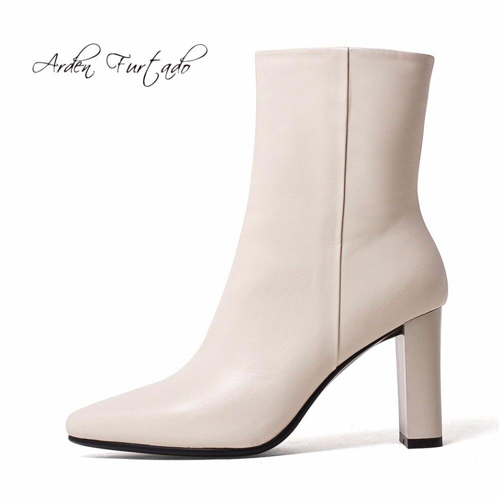 Arden Furtado 2019 primavera genuino di cuoio della caviglia stivali scarpe bianche donna pattini di modo delle donne della chiusura lampo stivali tacchi alti chunky 8 cm-in Stivaletti da Scarpe su  Gruppo 1