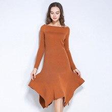 2017 на осень-зиму эластичные трикотажные платья женщин модные Универсальные Длинные рукава Slash шеи Pure Color дамы бутик платья HM762