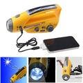 Manivela Solar auto Powered Dynamo AM / FM Radio Receiver W / cargador de teléfono celular linterna Digital