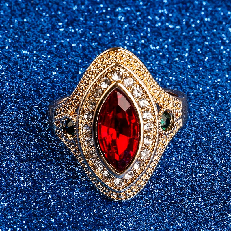 Classic Vintage Style Red Green Crystal Ring for Women