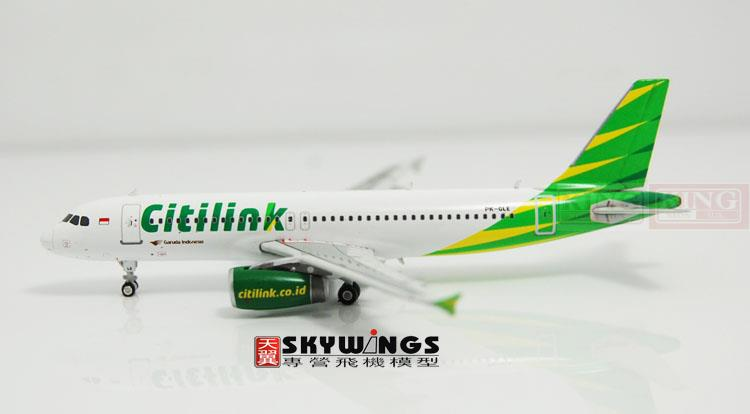 Phoenix 10835 A320 PK-GLE 1:400 Citilink commercial jetliners plane model hobby