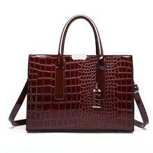 สีแดงจระเข้กระเป๋าถือหนังผู้หญิงกระเป๋าถือหรูผู้หญิงกระเป๋าออกแบบ Crossbody ไหล่กระเป๋าที่มีชื่อเสียงแบรนด์ Trunk Bloso