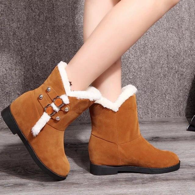 efb03bb2c2d Mujeres nieve del invierno zapatos bajos botas de pelo de conejo botas de  suela gruesa para mujer de moda hebilla Martin patea venta al por mayor en  Botas ...