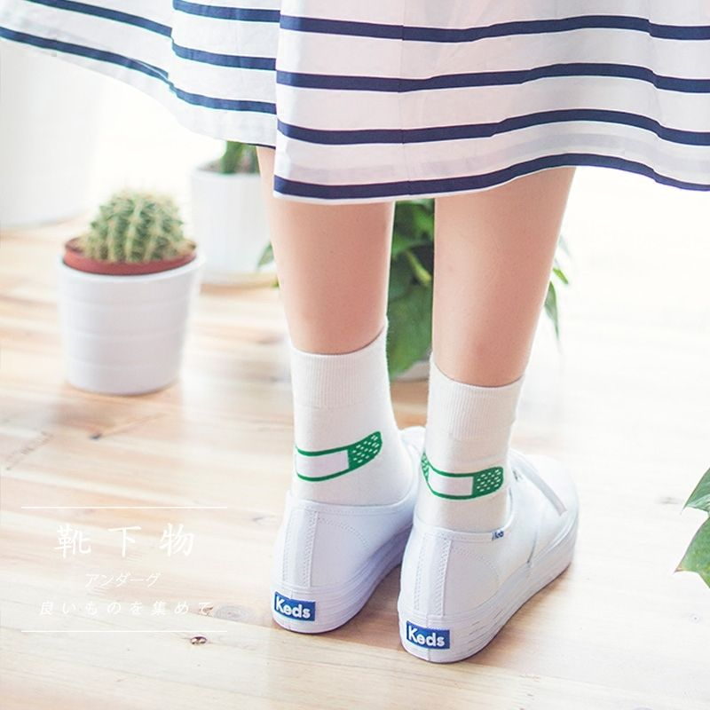 2017 new Spring and summer thin section Korean cute band aid calcetines socks white in tube women socks