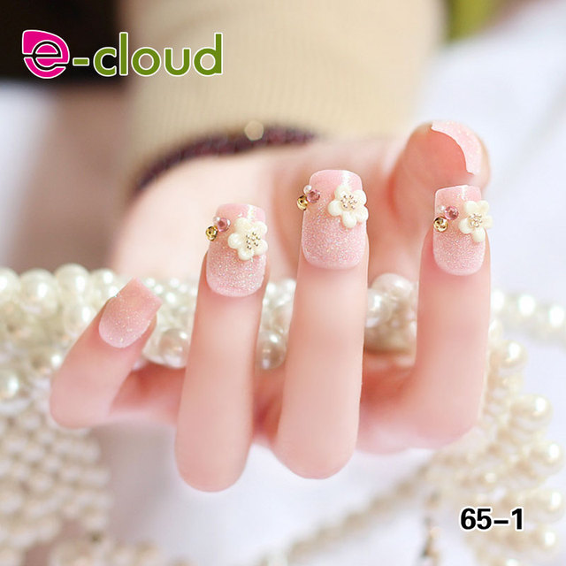 Fashionable Beautiful Shining False Nail Art Designs With Pearls ...