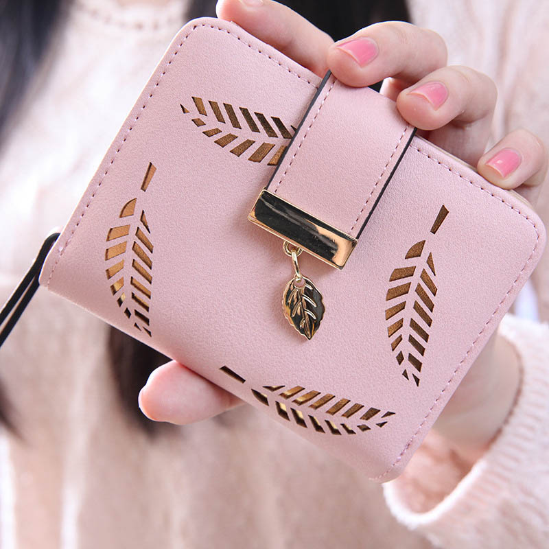 2017 New Fashion Female Wallet Short Paragraph Hollow Gold Leaf Small Purse Large Capacity Wallets LT88