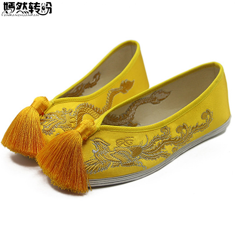 וינטג הנשים Flats נעלי כלה סאטן חתונה הסינית הדרקון פניקס רקום ציצית אחד לנשימה נעלי בלט אישה