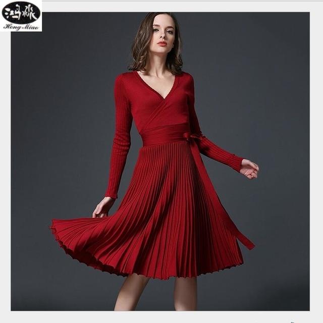 Осень 2017 г. новые пикантные с длинными рукавами v-образным вырезом платье женские сапоги до колена Длина элегантный лук талии раза плиссированного трикотажа деловая модельная одежда для вечеринок Vestido