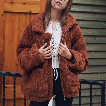 Kobiety grube ciepłe futro kurtka z owczej wełny jesień zimowy zamek błyskawiczny płaszcz skręcić w dół kołnierz kieszeń codzienna odzież wierzchnia wielbłąd płaszcz włochaty tanie i dobre opinie Faroonee Faux futra Pełna pelt zipper REGULAR Fur faux futra Na co dzień Szczupła NONE Camel Fur Jackets Coat zipper fur coat