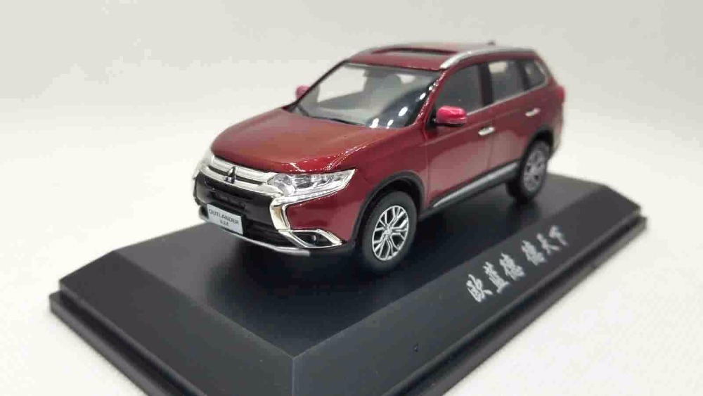1:43 Diecast Model For Mitsubishi Outlander 2017 Red SUV Alloy Toy Miniature Collection Gifts Out Lander