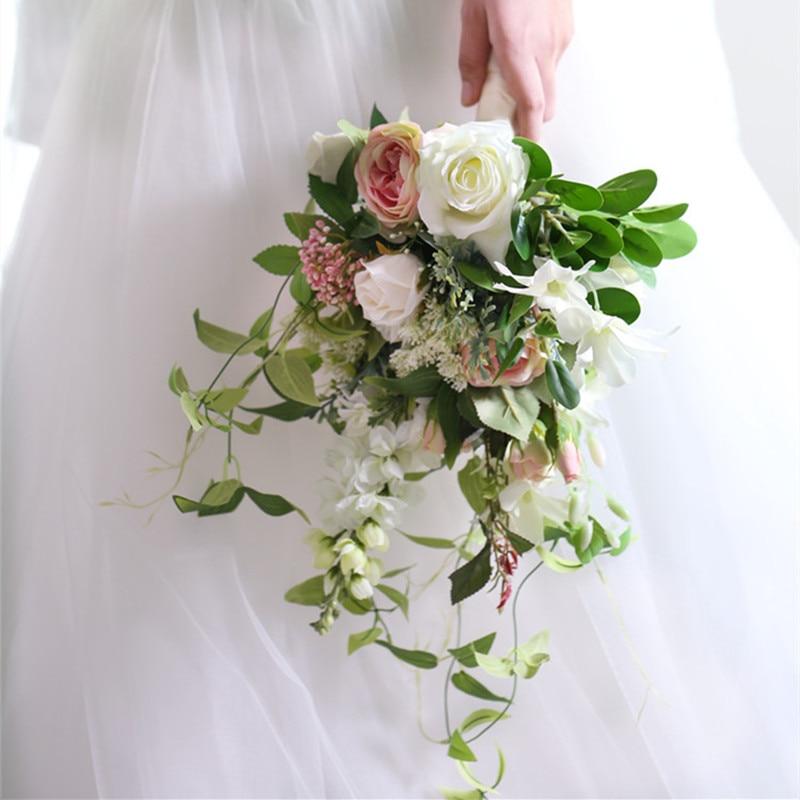 Korean Wedding Flowers: Western Style Wedding Bouquet Of Korean Wedding Bride And