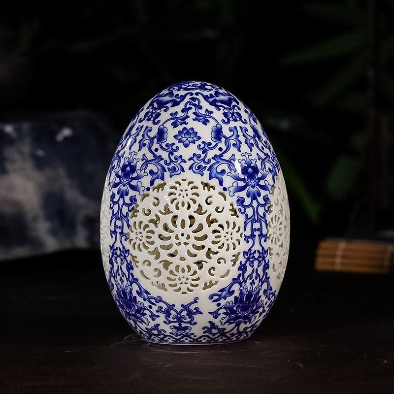 Palais de luxe de style chinois reconstituant des manières antiques Jingdezhen percé Vase en céramique blanche pour Vases de décoration de fleurs artificielles
