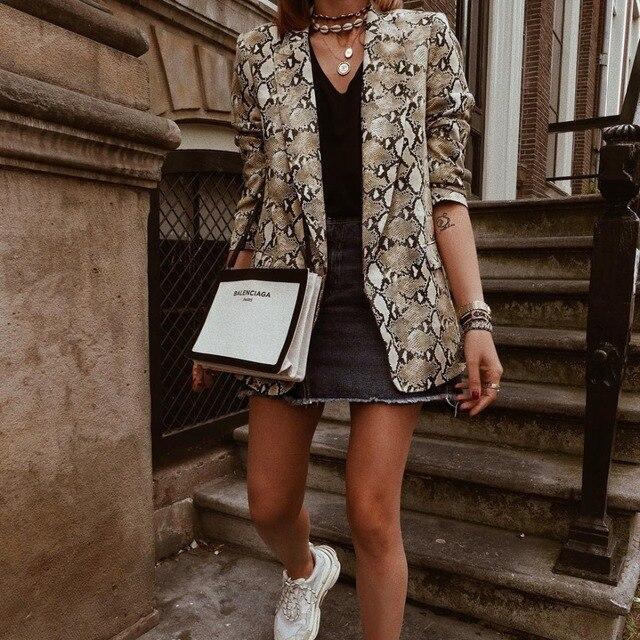 2019 для женщин Англия Стиль со змеиным принтом Блейзер карманы Зубчатый воротник пальто с длинными рукавами женская верхняя одежда