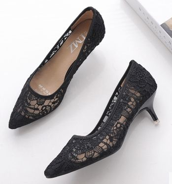 ФОТО 2017 spring summer point toe pumps shoes for women sexy lace DS152 thin med heels beige black female dress pumps on sales