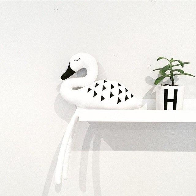 2016 INS bébé cygne blanc en forme oreillers Flamingo décoration poupée bande dessinée Swan peluches mignon animaux apaiser poupées cadeau enfants