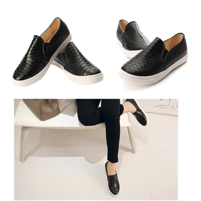 0dc6466084b Spring Summer Casual Soft Snakeskin Python Pattern Shoes Women Flats Round  Toe Ladies Slip On Moccasins Loafers Step in Sneakers-in Women s Flats from  Shoes ...