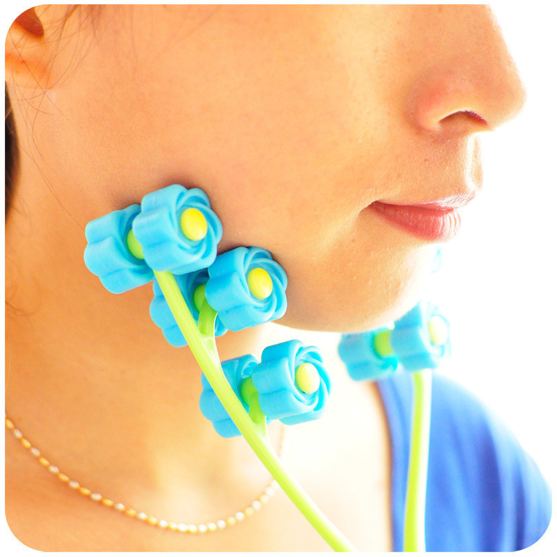 Flower Shape Handled Anti Cellulite Massagel Roller for Slimming Lift Up Chin Cheek Arm Muscle Relax