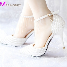 2016 Summer White Pearl Wedding Shoes Tassel Ankle Strap Rhinestone Evening Party Shoes Pointed Toe Bridal Dress Shoes Prom Pump