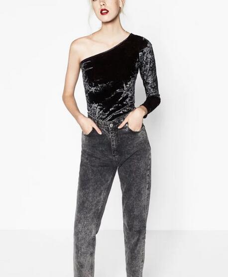 2016 novas Mulheres Da Moda Inclinação Colarinho Bodysuits Senhoras Casuais Sólida Sexy Bodysuit Macacão de Veludo Elástico