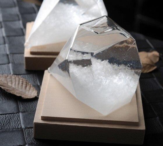 1PC Diamond Shape Storm Glass Weather Forecast Bottle Crystal chemistry vintage home decor christmas accessories JY 1191 2