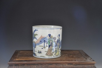 Antique style porcelain hand painted ceramic brush pot for collection
