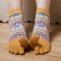 Las nuevas Mujeres Calientes lindo Duantong calcetines del dedo del pie retro nacionales viento impresión de Dibujos Animados de moda de algodón calcetines