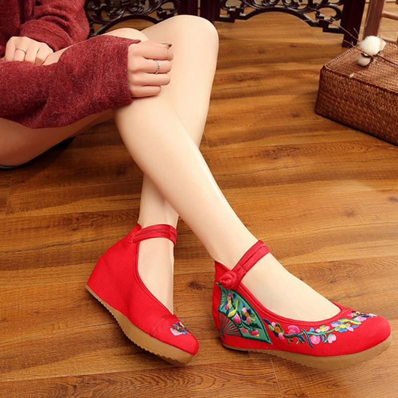 New Fashion Women Shoes National Wind Square Dance Shoes Old Peking Embroidered Canvas Shoes Red Blue 2017 spring new embroidered jeans color embroidered national wind low waist jeans trousers