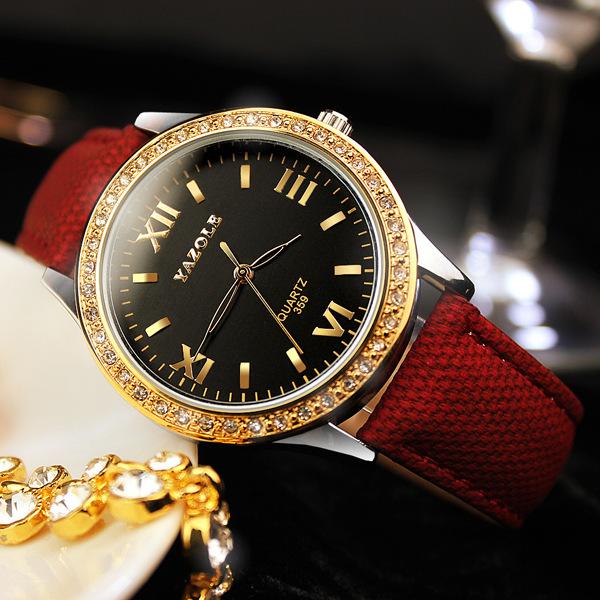 Prix pour Classique lady montres marque de mode femmes d'affaires montre toile PU de luxe élégant imperméable quartz montre diamants montre-bracelet