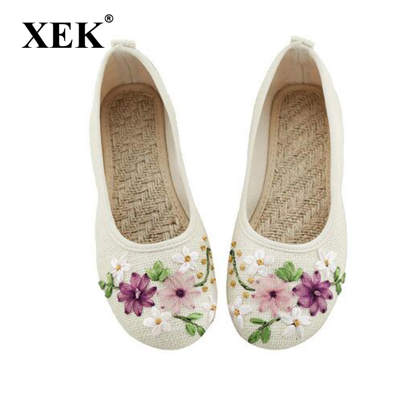 Vintage New Arrival Old Peking Women's Shoes Chinese Flat Heel With Flower Embroidery Comfortable Soft Canvas Shoes XC55 smyxhx 10046 fashion casual chinese style hibiscus flowers embroidery soft flat shoes women s old peking national cloth shoes