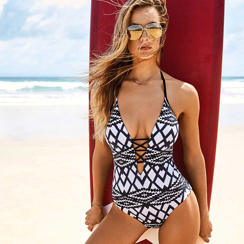 2017 Sexy One Piece Swimsuit Women Swimwear Backless Bodysuit Bandage Cut Out Summer Beach Bathing Suit Swim Monokini Swimsuit 2016 new sexy mesh one piece swimsuit sexy biquini swimwear women cut out bodysuit summer sportswear bathing suits monokinis