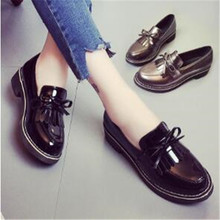 female leather shoes spring autumn 2017 New lady England oxfords tassel patent leather Female casual boat flat buckle loafers