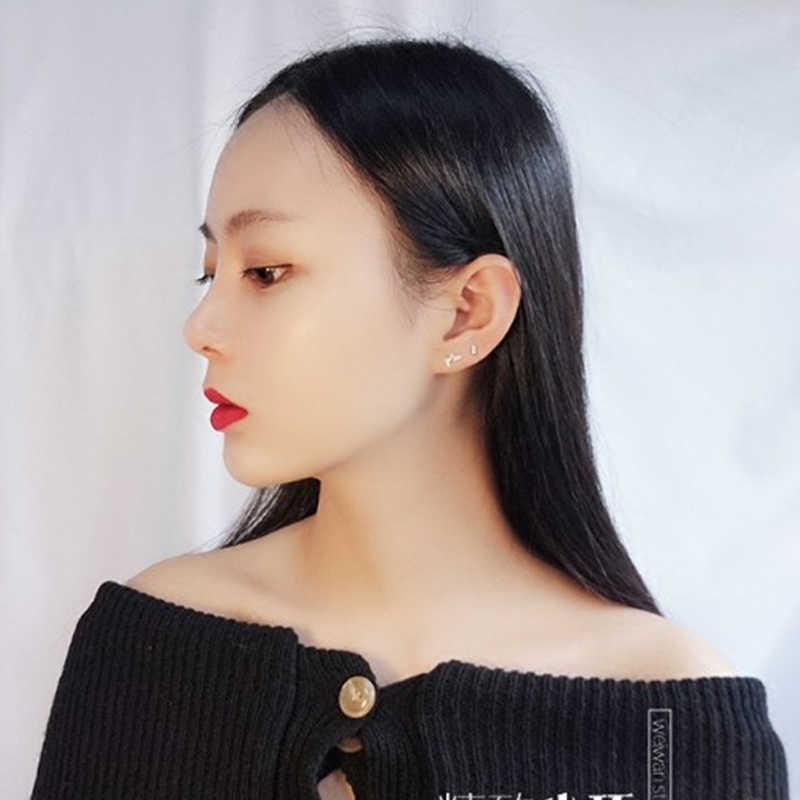 작은 비대칭 925 스털링 귀걸이 미니 지르콘 크리스탈 귀 뼈 한국어 간단한 스터드 귀걸이 여성을위한