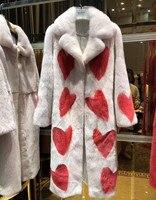 Моды в Париже роскошный зимний мех норки пальто натуральным шубы Для женщин принт красное сердце белый отложным воротником норки пальто
