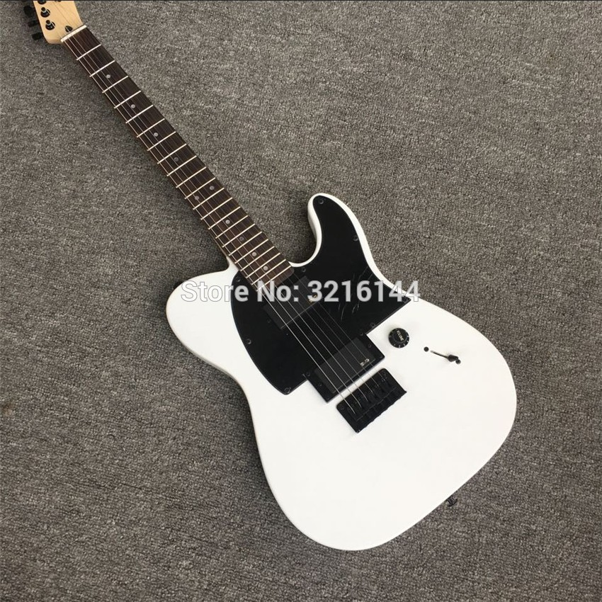 Guitare électrique blanche, design de taille concave, laque piano qui cuit. Réglage de verrouillage noir, quincaillerie noire, photo réelle