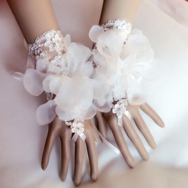 2016 a primavera eo verão rendas projeto vestido curto casado acessórios do casamento de noiva de design curto pequenas luvas