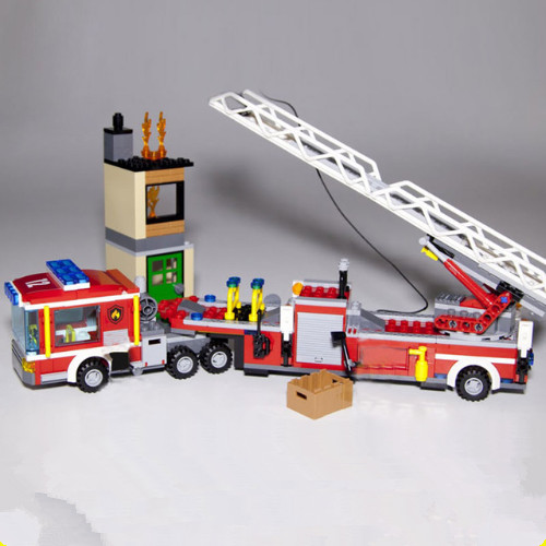 Lepin 02086 Gneuine 421PCS City Series The Fire Engine Set Building Blocks Bricks New Year Gift girl  Christmas toy for children lepin 02061 genuine city series the jungle exploration site set 60161 building blocks bricks christmas gift for children 870pcs