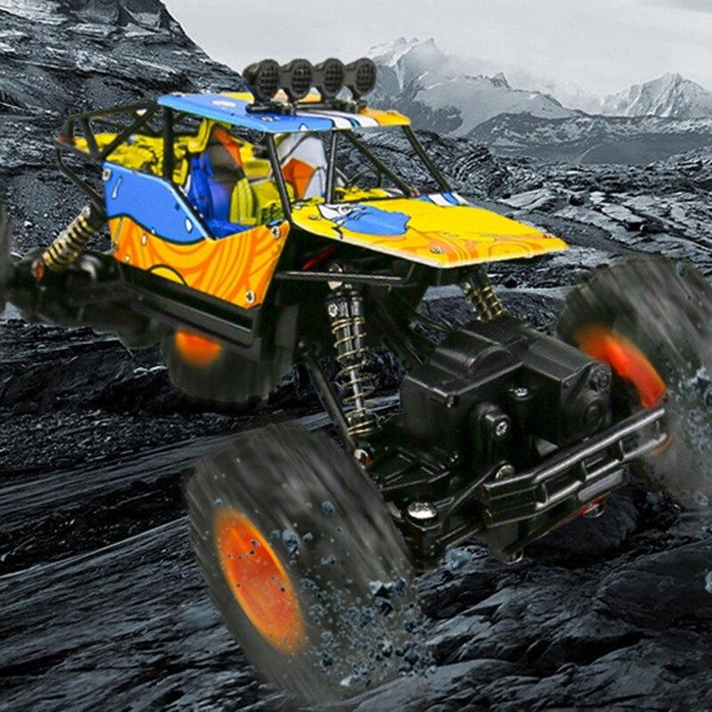 Image 3 - 1/16 2,4 ГГц корпус из сплава Рок Гусеничный 4Wd двойные двигатели внедорожный пульт дистанционного управления радиоуправляемое Багги Bigfoot альпинистские автомобильные игрушки-in RC-машины from Игрушки и хобби