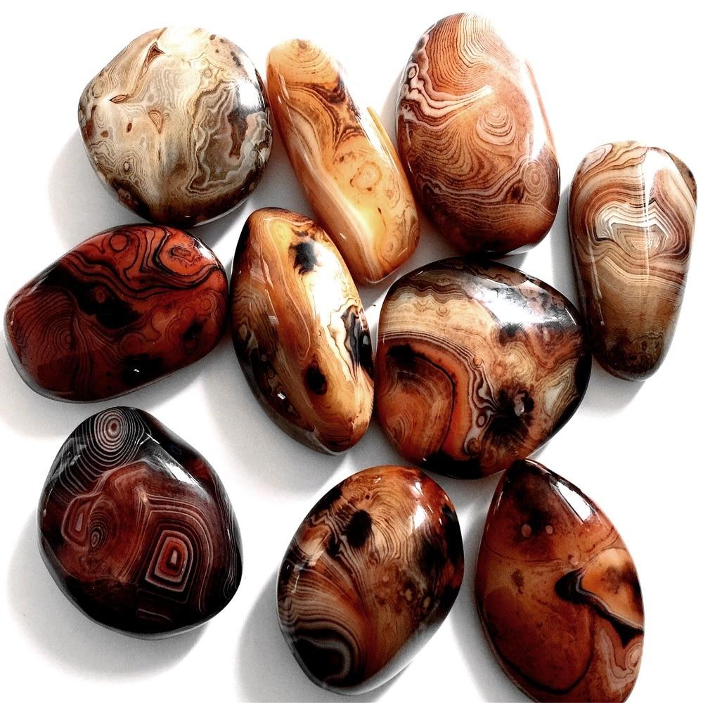 10 قطعة 1 kg الطبيعية العقيق الحرير العقيق الكوارتز الكريستال فازة هبط النخيل الأحجار شفاء نقدر الحلي المعادن-في الأحجار من المنزل والحديقة على  مجموعة 1