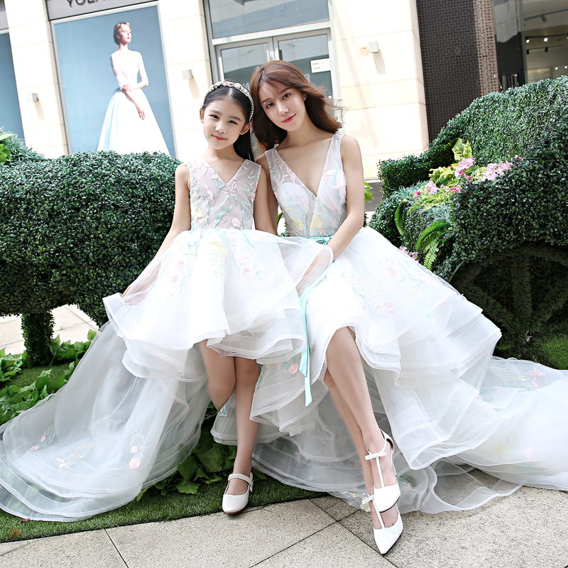 Trajes a juego para la familia mamá madre hija vestido de novia niñas RufflesTutu vestido falda vestido para madre e hija Color blanco