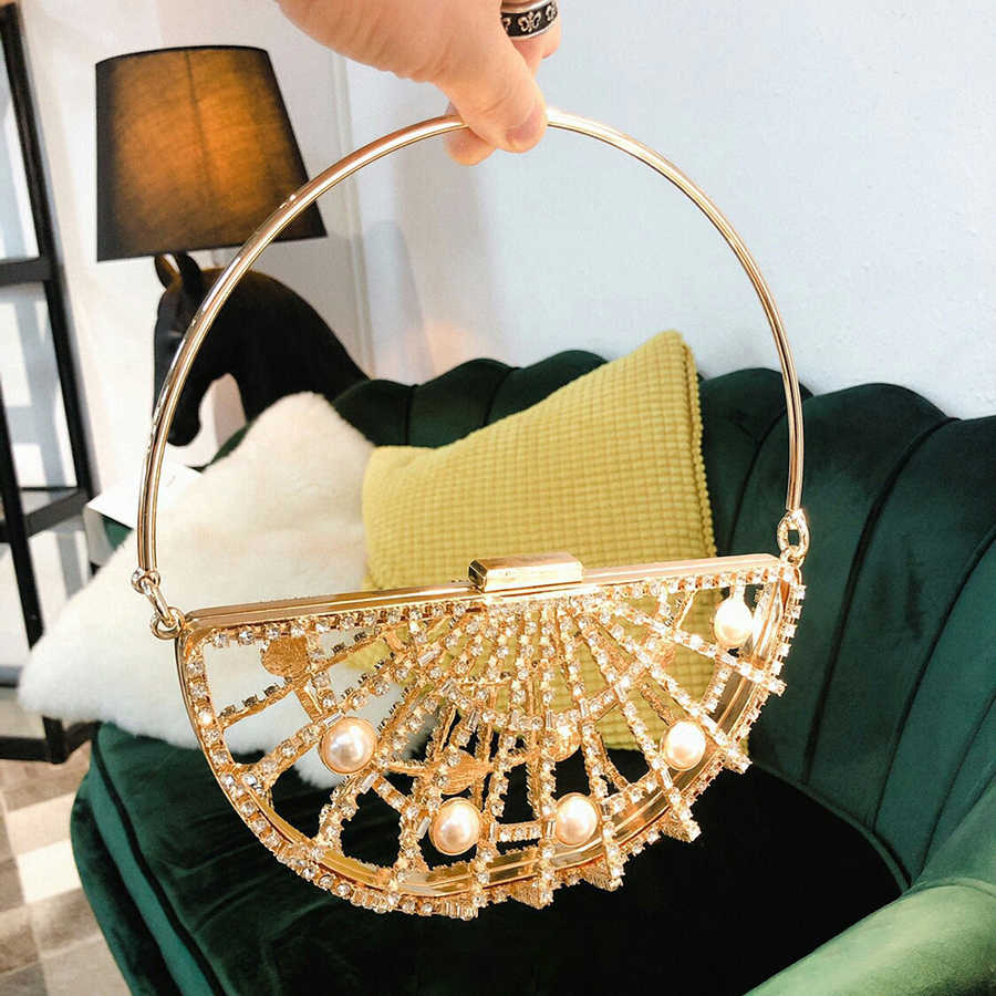Hollow Out Metallic Clip Handbag Women New Korean Alloy Diamonds Pearl Golden Dinner Evening Bag Ladies Half Moon Purse Party