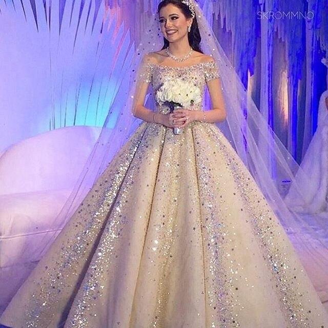 Sparkling Gorgeous Beaded Crystal Wedding Dress Dreaming Ball Gown Vestido De Noiva Short Sleeves Bridal