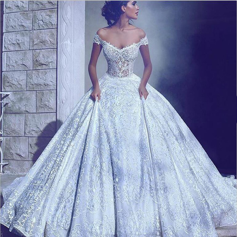 Sexy V Neck Ball Gown Cap Sleeves Lace Appliques Ivory Long Train Robe De Mariage Wedding Party Dress