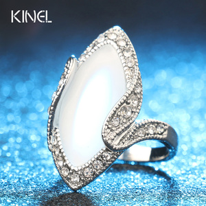 Hot Sale 2015 Luxury Fashion Big Oval Opal Ring Vintage Look Silver Plated White Crystal Rings For Women Gift(China)