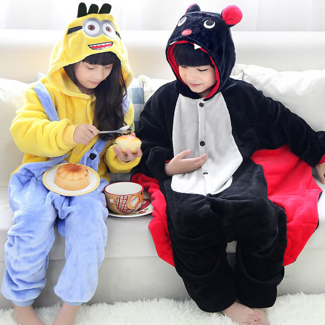 Kids Baby Despicable Me Minion onesies cosplay pajamas boys girls animal cartoon hood pyjamas batman bat costumes sleepwear