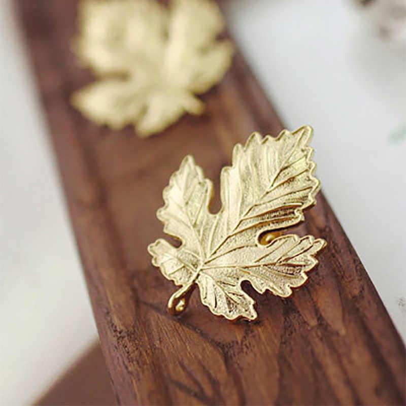 Maple Leaf Bros Pins Perhiasan Emas Perak Disepuh Bros Wanita Pria Lencana Pakaian Syal Sepatu Paket Aksesoris